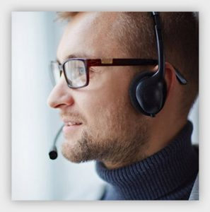 legal answering service agent with headset